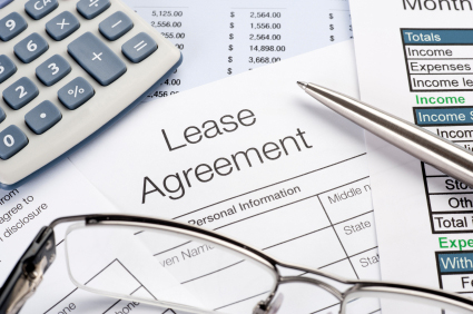 Residential Lease Document Containing Clause Requiring Tenant to Carry Insurance Coverage